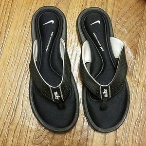 Nike Shoes - Nike black & white comfort sport flip flops